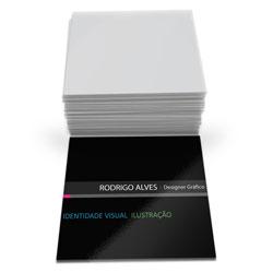 Cartão de Visita - 10.000 unidades - 43x48mm em Couché Brilho 300g - 4x0 - Verniz Total Brilho Frente -  (cód. 6759)