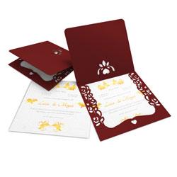 Convite de Casamento Romântico 07 Pequim - 200 unidades - 240x215mm em Envelope Color Plus Pequim - Lâmina Interna Diamond 180g - 4x0 - Sem Cobertura - Faca Padrão (cód. 14730)
